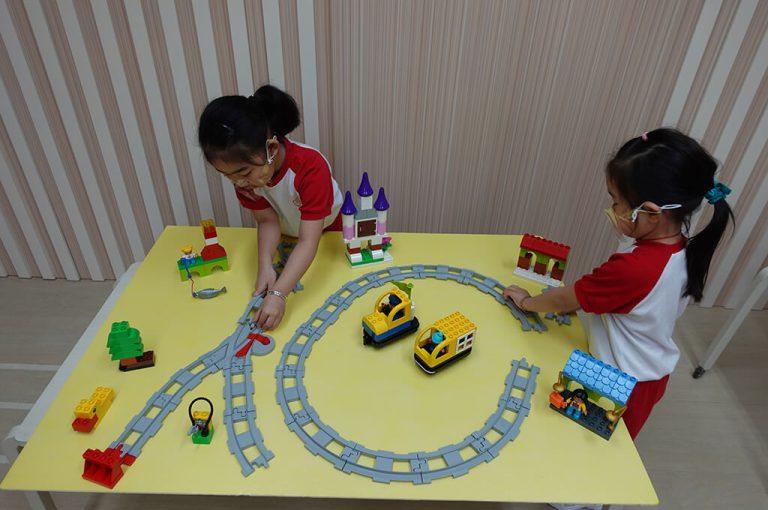 搭建各種形式火車軌道